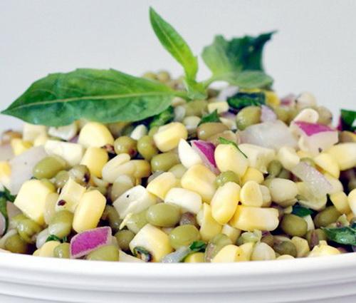 Салат постный из кукурузы
