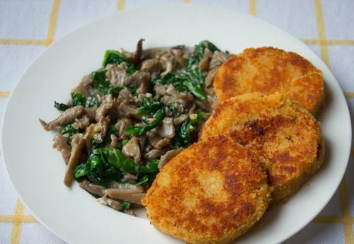 Чечевичные котлеты с грибами и картофелем