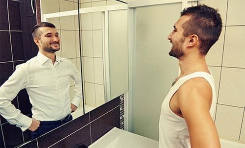 улыбка перед зеркалом
