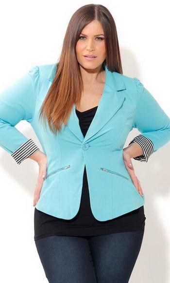 Модный голубой пиджак