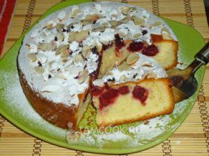 венский пирог с замороженной вишней