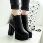 Ботинки на толстом каблуке и платформе