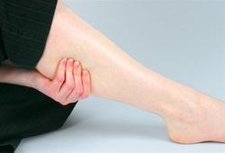 К какому врачу идти, если болят ноги