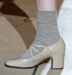 Как разносить обувь: самые эффективные способы