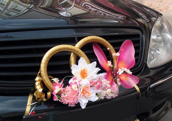 Как украсить свадебную машину собственными руками