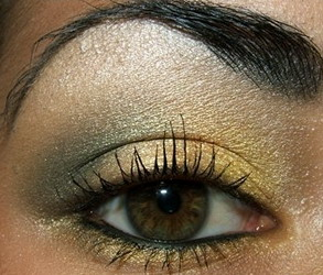 Какие тени подходят карим глазам