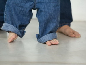 Почему у ребенка потеют ноги
